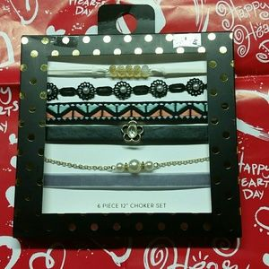 Jewelry - ❤FLASH SALE❤Choker set❤